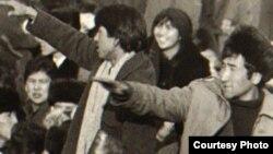 1986 жылғы Желтоқсан оқиғасына қатысушы жастар. (Көрнекі сурет)