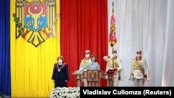 Санду склала присягу і вступила на посаду президента Молдови