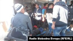 Архивска фотографија - Мигранти на македонско - српската граница.