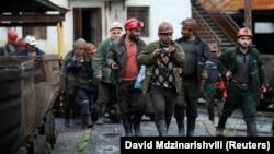 Горняки шахты Миндели после смены