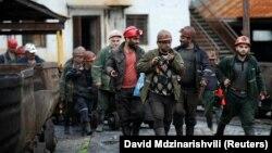 Работники горнорудного предприятия Ткибули. Архивное фото