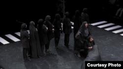از دیالوگهای نمایش «چهارراه»: به امید روزی که هر هموطن، دوربینمخفی خود باشد