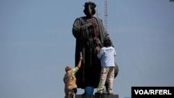 Мехикора Колумбан монумент