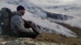 Иван Давыдов во время ультрамарафона по горам Кавказа в поддержку омского хосписа