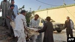 Последствия взрыва в шиитской мечети, Афганистан, провинция Кундуз, 8 октября 2021 года