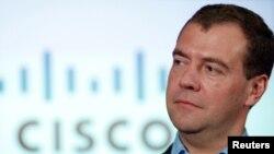 ԱՄՆ -- Ռուսաստանի նախագահ Մեդվեդեւը այցելում է ցանցային տեխնոլոգիաների առաջատար արտադրող Cisco Systems ընկերություն, Սան Հոզե, Կալիֆորնիա, 23-ը հունիսի, 2010թ.