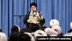رهبر جمهوری اسلامی این سخنان را در کلاس در خارج فقه خود بیان کرده است.