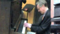Un mesaj pentru pace al pianistului american Peter Serkin
