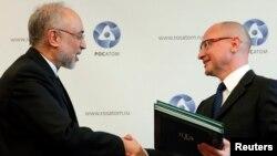 Сергій Кирієнко (п) і Алі Акбар Салехі