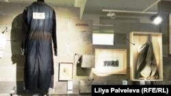 """На выставке """"Материал"""" в Международном Мемориале"""