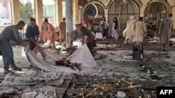 Африфска фотографија од нападот на шиитска џамија во Авганистан на 8 октомври.