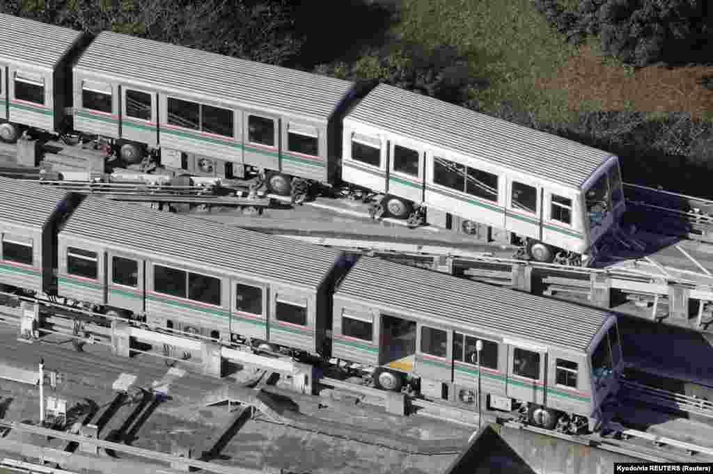 Kisiklott vonatok Japánban. Október 7-én 6,1-es erősségű földrengés rázta meg Tokiót és környékét