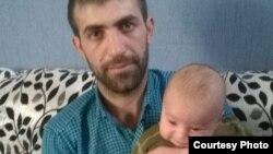 Elnur İsayev oğlu ilə