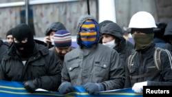 В Киеве демонстранты блокируют здание правительства, 2 декабря 2013 года