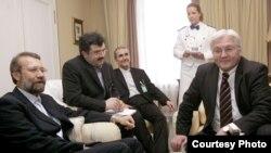 علی لاریجانی با وزیر خارجه آلمان در مونیخ دیدار کرد.