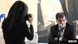 محمدرضا باهنر میگوید احمدینژاد از دخالت درباره ردصلاحیت احتمالی نامزد مورد نظر خود ضرر میکند.