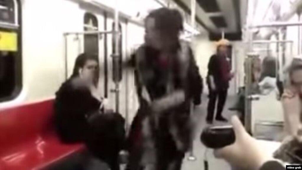 Видео как танцуют на улице девки 4