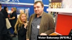 Scriitorii Doina Uricariu și Lucian Dan Teodorovici la Tîrgul Internațional de Carte de la Frankfurt pe Main