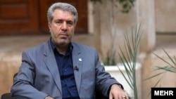 علی اصغر مونسان میگوید سازمان میراث فرهنگی در کنار سازمان حفاظت از محیط زیست، کمترین بودجه را در میان نهادهای دولتی دارد