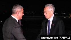 Прем'єр-міністр Сінгапуру Лі Сянь Лун (п) прибув до Вірменії, він першим серед закордонних гостей приїхав на саміт ЄАЕС