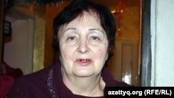 Лариса Белкина, соседка семьи Жириновских. Алматы, 28 января 2012 года.