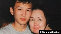 Азамат Тажаяков и матерью