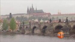"""Банки сменили танки - почему Восточная Европа готова войти в """"пропутинский альянс"""""""