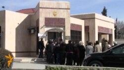 Граждане России голосуют в Баку