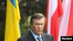 Віктор Янукович, який потрапив у міжнародну ізоляцію, збирається на відкриття Євро-2012 до Варшави – польські ЗМІ