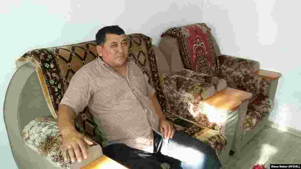 Житель села Садовое Курмет Уажив стал одним из инициаторов обращения к властям по поводу переселения жителей в лучшее и безопасное место.