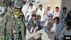 پاکستان همواره از سوی مقامات افغان به کم کاری و در بعضی موارد همکاری با طالبان متهم شده است.