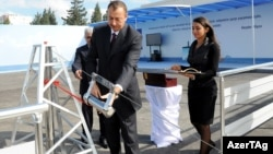 İlham Əliyev SOCAR-ın yeni binasının binövrəsini qoyur