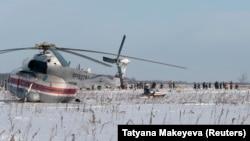 شرایط بد آب و هوایی عملیات جستجو و بازیافت هواپیمای سقوط کرده روسی در حوالی مسکو را با چالش مواجه کرده است