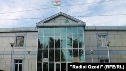 Здание суда города Турсунзаде