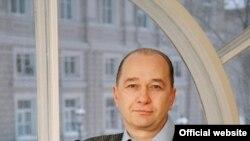 Игорь Михайлов, ныне отстраненный от должности омбудсмена, с самого начала не пользовался доверием питерского правозащитного сообщества