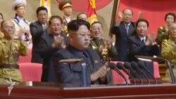 KXDR lideri Kim Jong Un veteranlarla görüşür