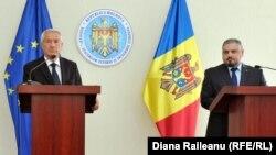 Thorbjorn Jagland și ministrul moldovean de externe Andrei Galbur