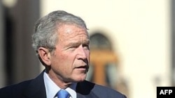 ساعتی پس از ورود جرج بوش به شرم الشیخ، دو رییس جمهوری در کنفرانس مطبوعاتی مشترکی شرکت کردند.