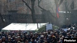 Supporters of the Homeland Salvation Movement holding a protest in front of the Parliament building in Yerevan's Baghramian Avenue, March 6, 2021
