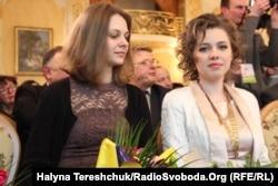 Ганна (зьлева) і Марыя Музычук