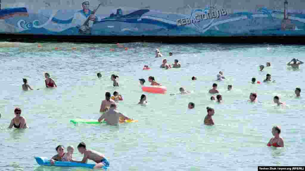 Прохлада морской воды – спасение от июльской жары
