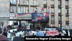 Будівля Донецької ОДА досі зайнята бойовиками