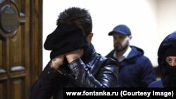 Георгий Чернышев в коридоре суда