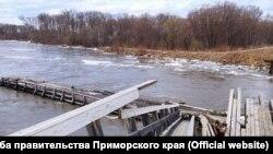 Обрушение моста на реке Большая Уссурка