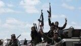 """Бойцы """"Ливийской национальной армии"""", направляющиеся на штурм Триполи. 9 апреля 2019 года"""