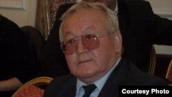 Дүйшөн Касенов.