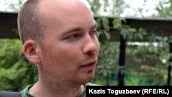 Пол Мёрфи, Еуропарламенттің солшылдар фракциясының депутаты. Алматы, 19 маусым 2011 жыл.