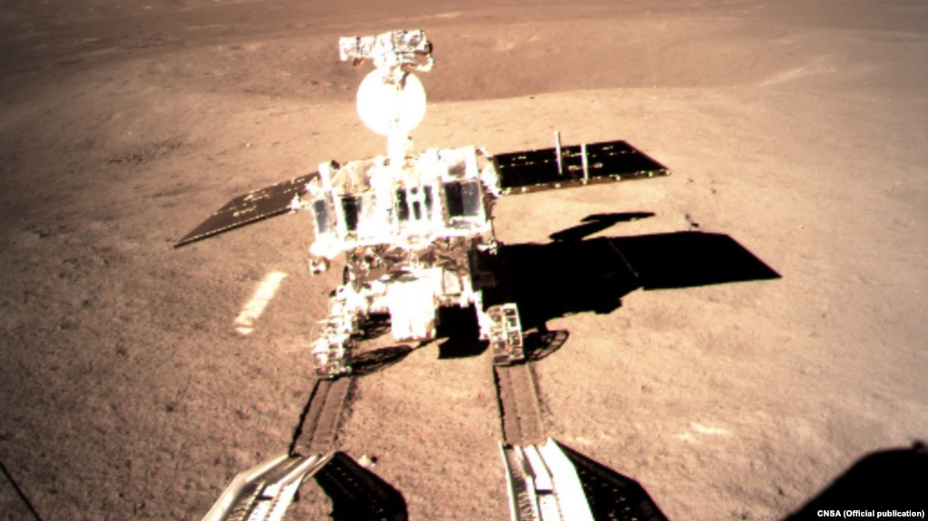 ماهنورد چینی یوتو-۲ (خرگوش یشمی ۲) بر سطح سمت پنهان ماه