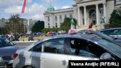 Protest taksista ispred Skupštine Srbije, 4. oktobar
