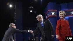 Дональд Трамп и Хиллари Клинтон перед началом дебатов